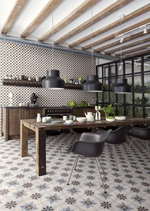 grande ouverture en verre sur la cuisine crdence en faence noire brillante sur sol ancien couleur orange pour cette cuisine en cours damnagement - Carreau Blanc Pour Cuisine